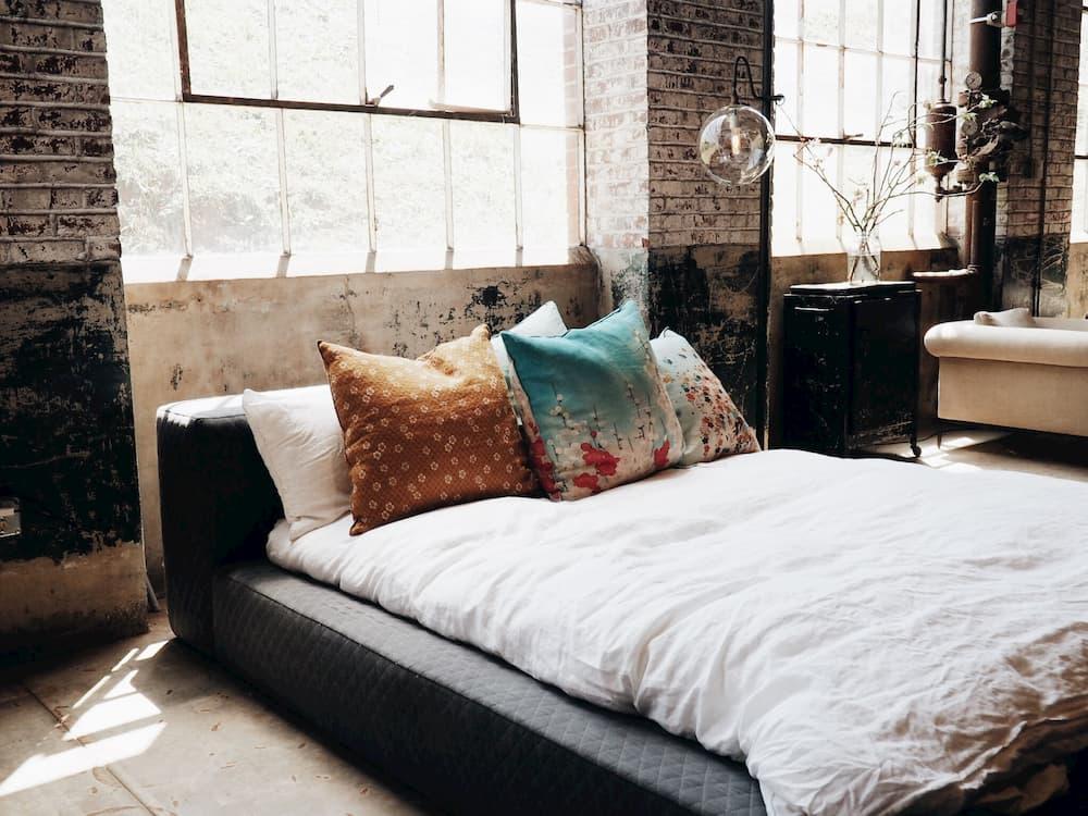 Jak urządzić mieszkanie w stylu industrialnym