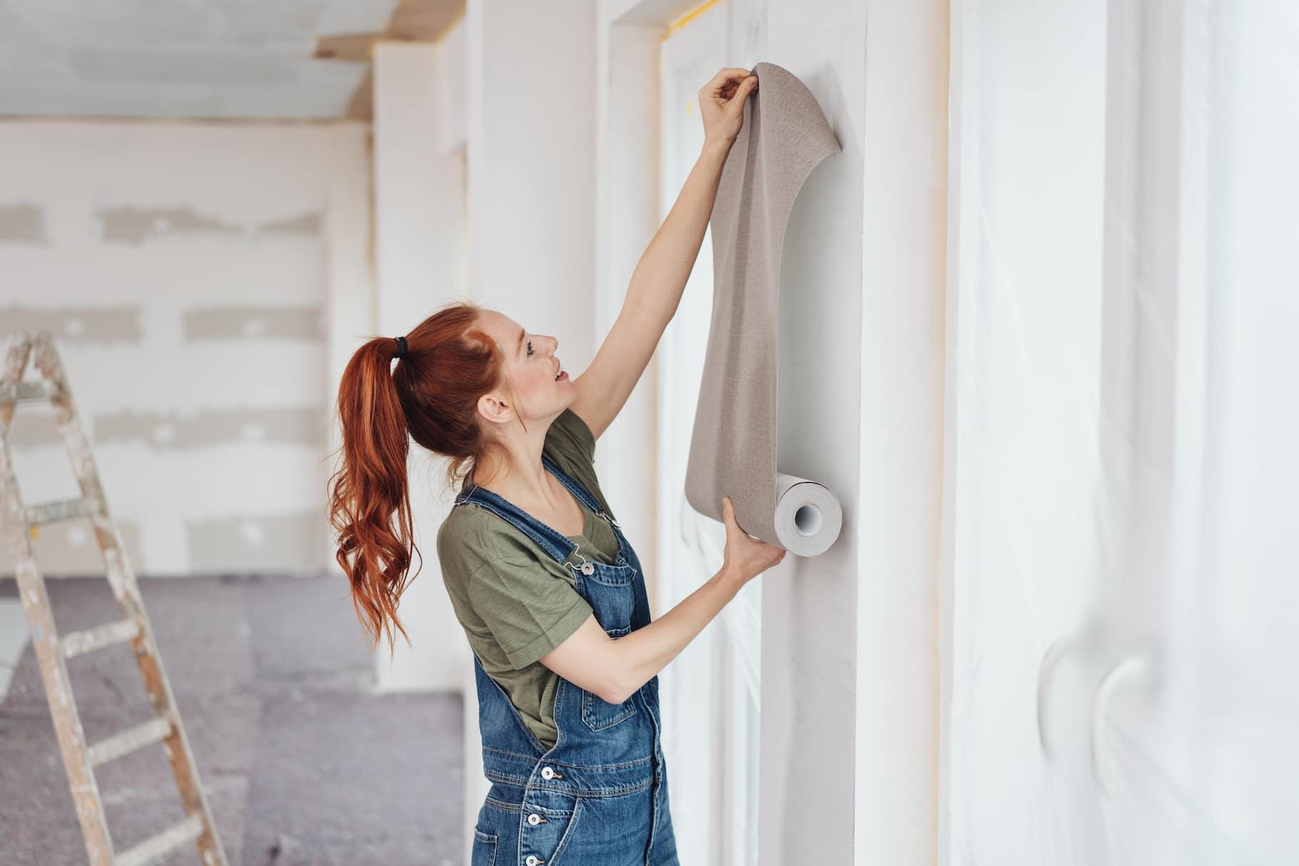 Tapety ścienne – jak prawidłowo kłaść na ścianę